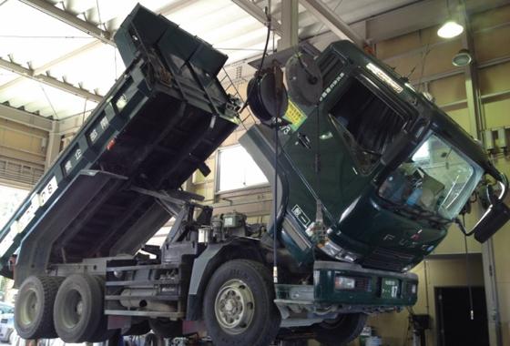 大型トラック車検及び修理イメージ
